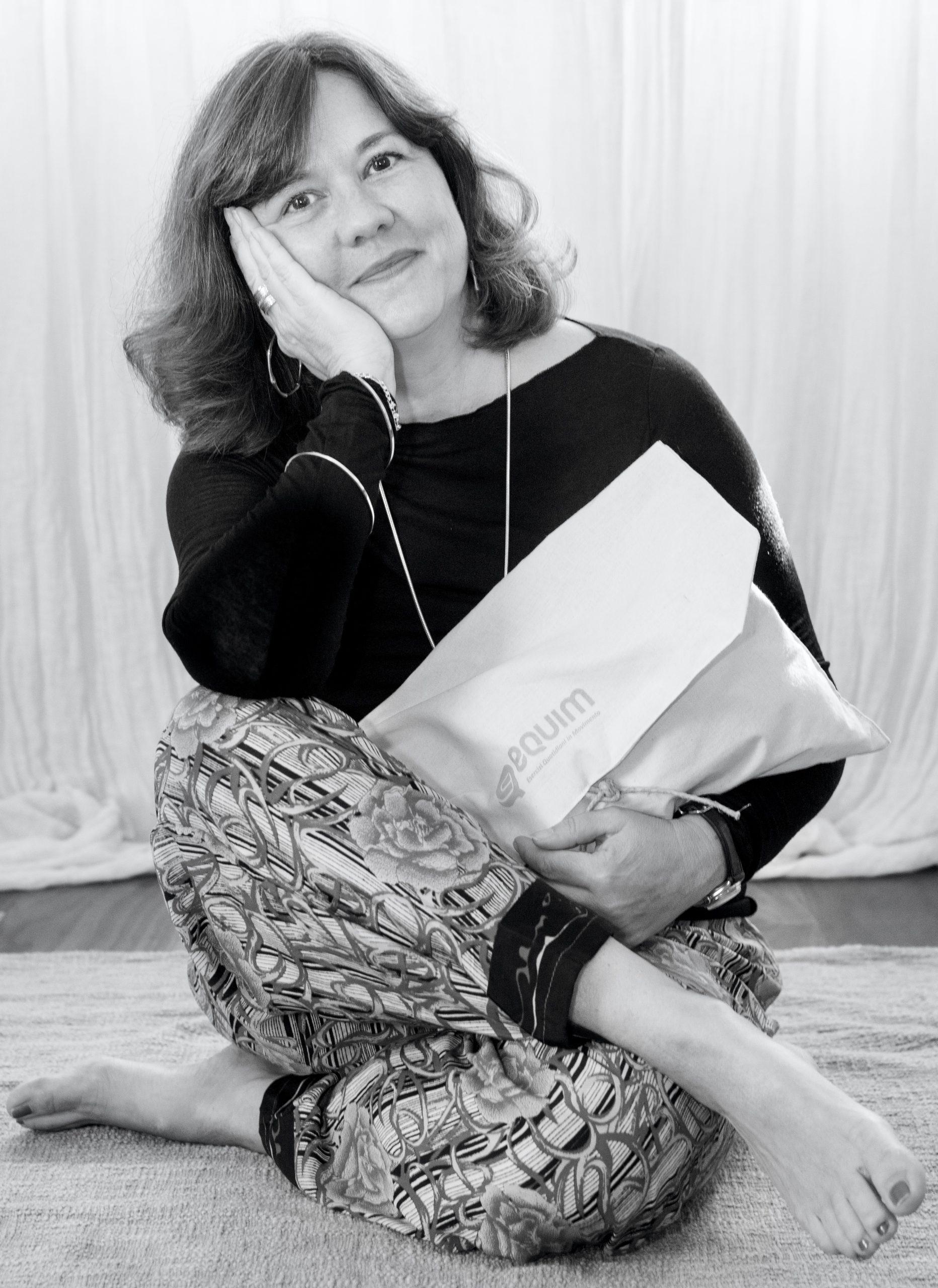 Elena Graziadei by Luca Chiste seduta